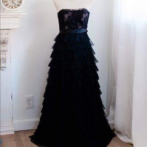 Dresses & Skirts - Masquerade black tulle dress